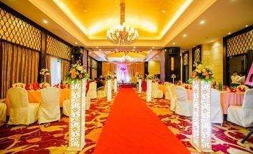 婚庆店怎样吸引顾客-找高水平的婚礼策划到东之方实业