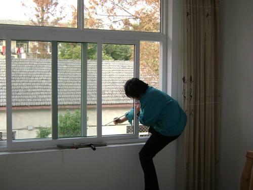 西宁地毯清洗,找家庭保洁服务就找西宁新海桥物业管理