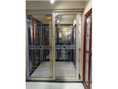 专业供应铝合金折叠门就来沈阳于洪区鸿鑫鸿凯铝材门业