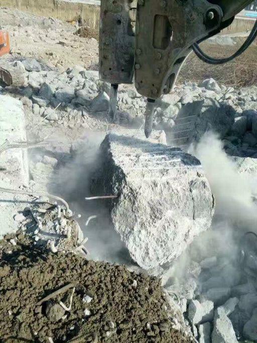 格尔木价位合理的矿石破碎剂 青海混凝土膨胀剂价格