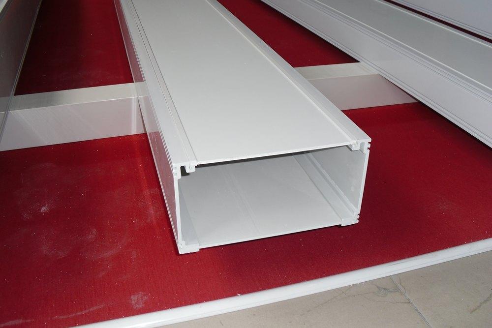 怎么挑選優質的梯式直通橋架 塑鋼橋架廠商出售
