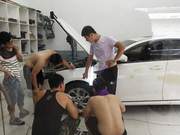 专业的汽车凹陷修复推荐_车门凹陷怎么修复多少钱