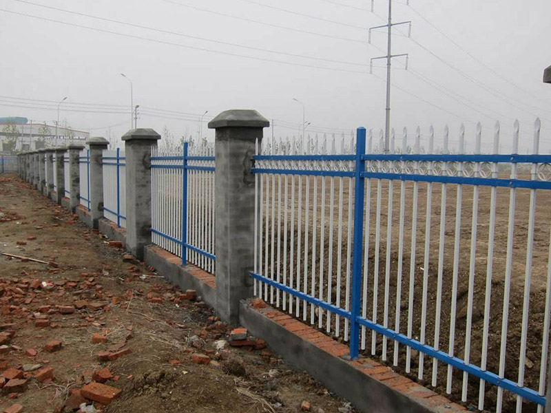 道路护栏施工-安徽优惠的围栏供应