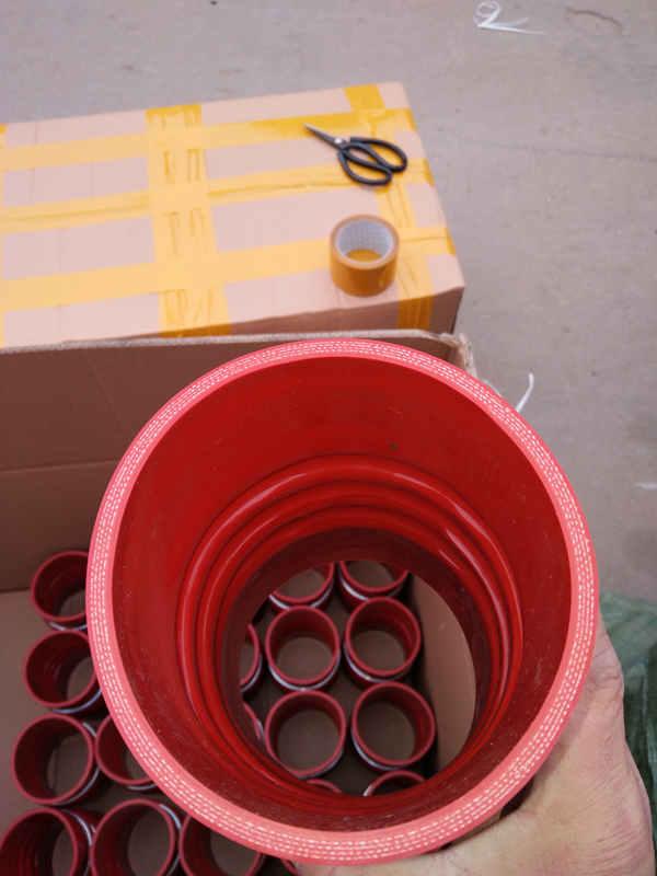 供应河北价格优惠的大口径硅胶管 大口径硅胶管厂家直销