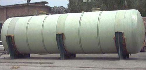 新意pp衬玻璃钢储罐-玻璃钢立式容器 供应商