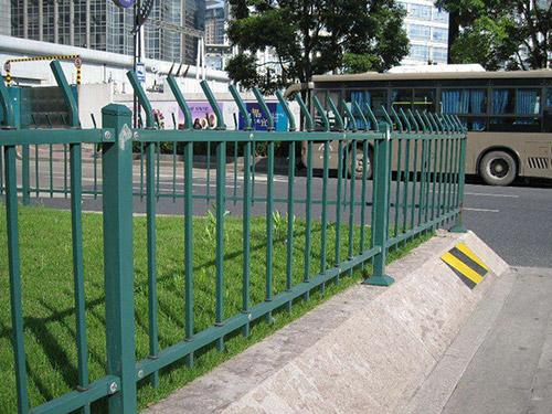 锌钢护栏厂家电话,哪里可以买到耐用的锌钢护栏