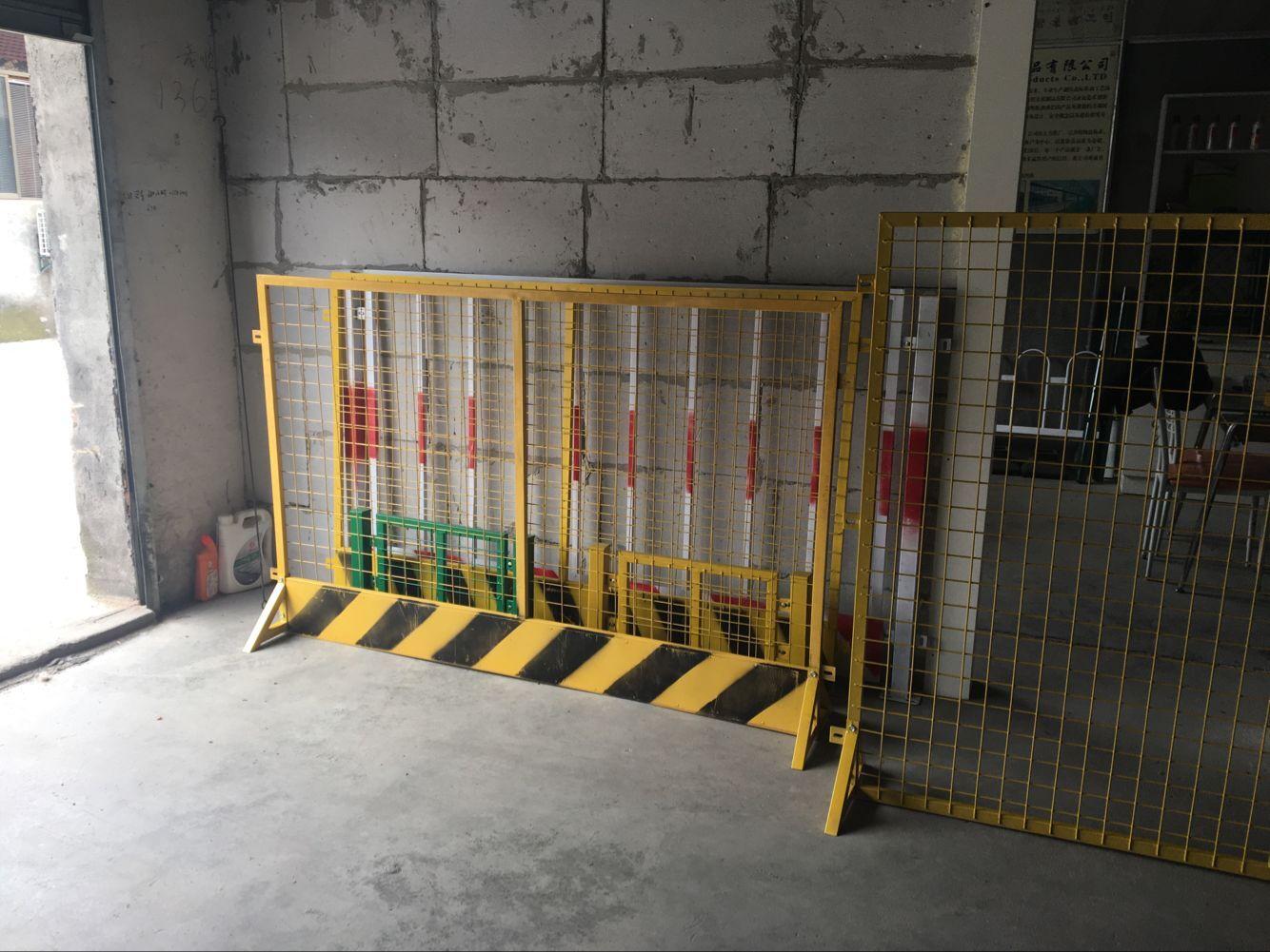 浙江好用的公路护栏网片_永康公路护栏网片车间隔离网球场围网施工围栏