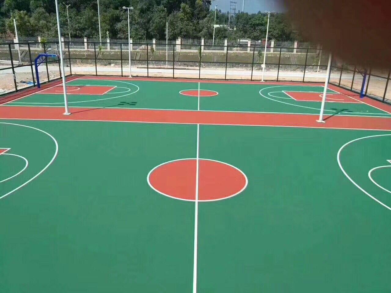 什么样的惠州丙烯酸球场比较好-佛山丙烯酸羽毛球场施工