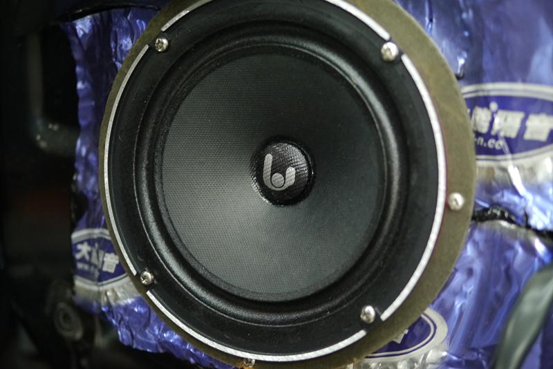 三菱帕杰罗30周年纪念版音响改装-青岛车之友汽车音响