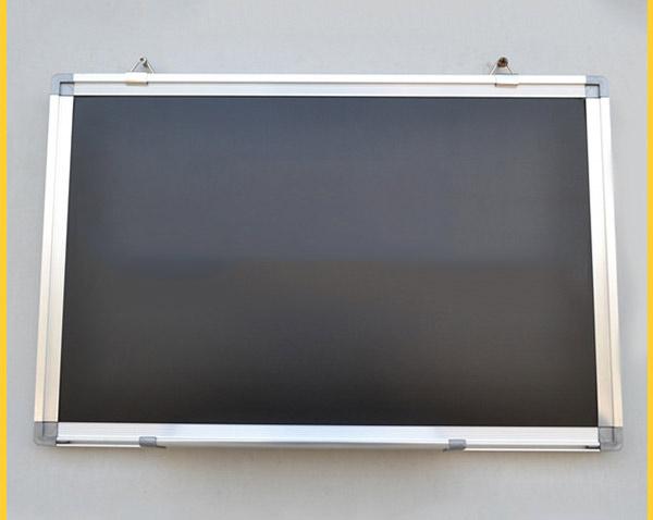 咖啡色邊黑板_如何選購實惠的黑板