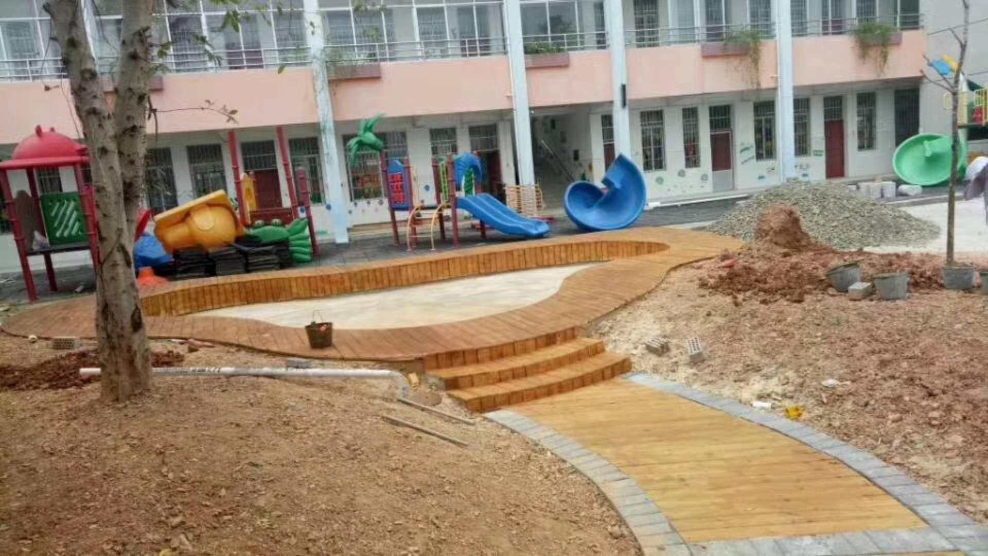 来宾幼儿园设施厂家|专业南宁木质滑梯厂家在广西