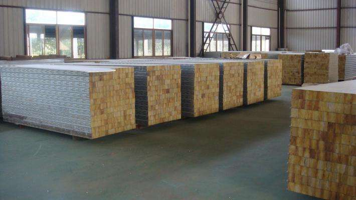 呼伦贝尔彩钢复合板专业厂家,彩钢保温板厂
