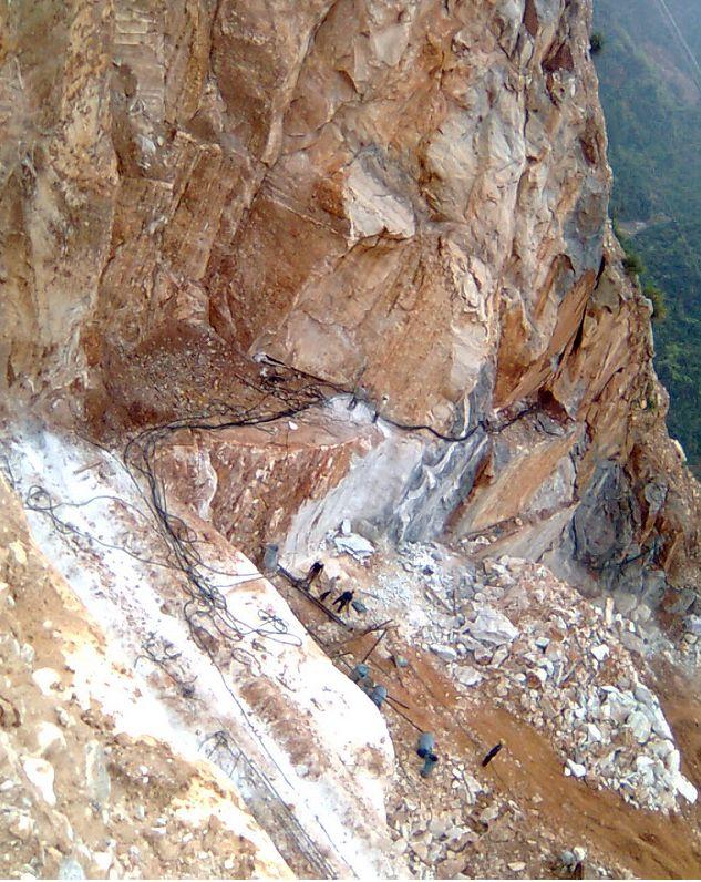 玉树岩石伟德国际手机版 玉树哪里有供应好用的水泥伟德国际手机版
