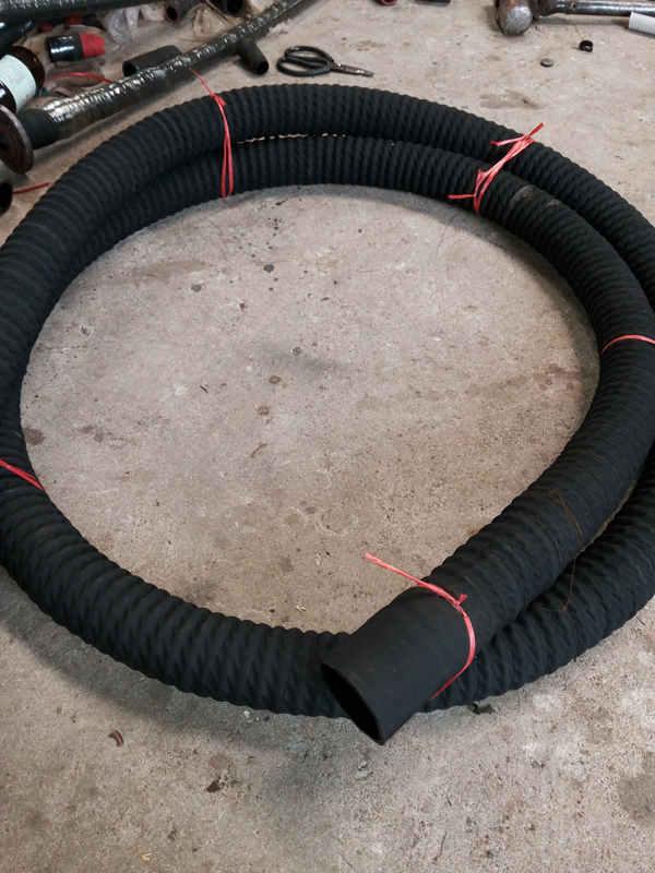夹布吸引胶管供应-宏禄橡塑制品_知名夹布吸引胶管供应商