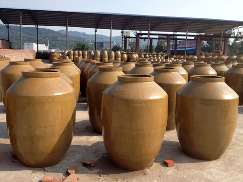 陶瓷储酒缸供应厂家 规模大的陶瓷储酒缸厂家就是益民酿酒