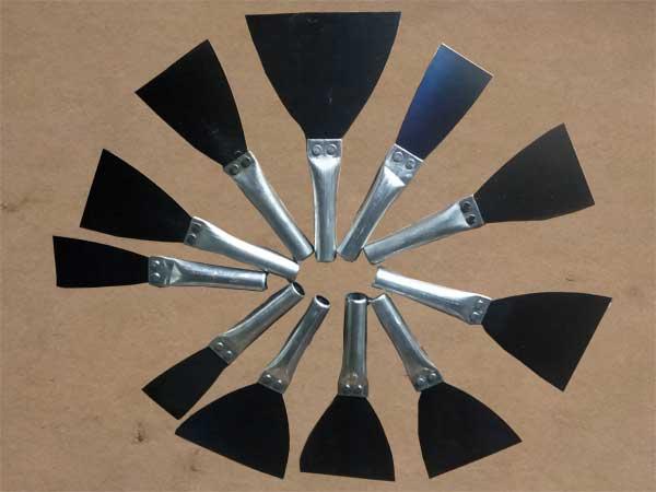 双色塑柄油灰刀定制-大量供应超值的铁把烤蓝油灰刀