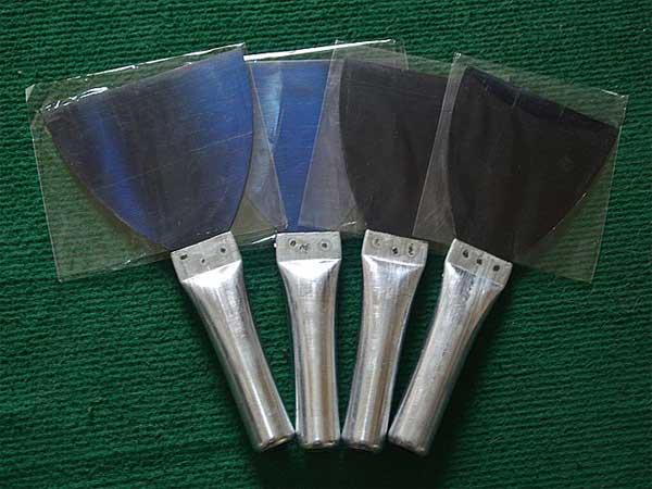 临沂铁柄油灰刀型号|临沂哪里有卖价格优惠的铁把烤蓝油灰刀