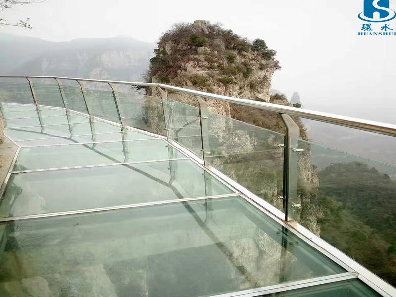 玻璃栈道设计公司哪家好 靠谱的玻璃栈道供应商