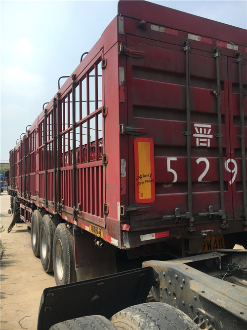 山东靖赠汽车贸易专业供应二手运输半挂车 二手15米冷藏集装箱