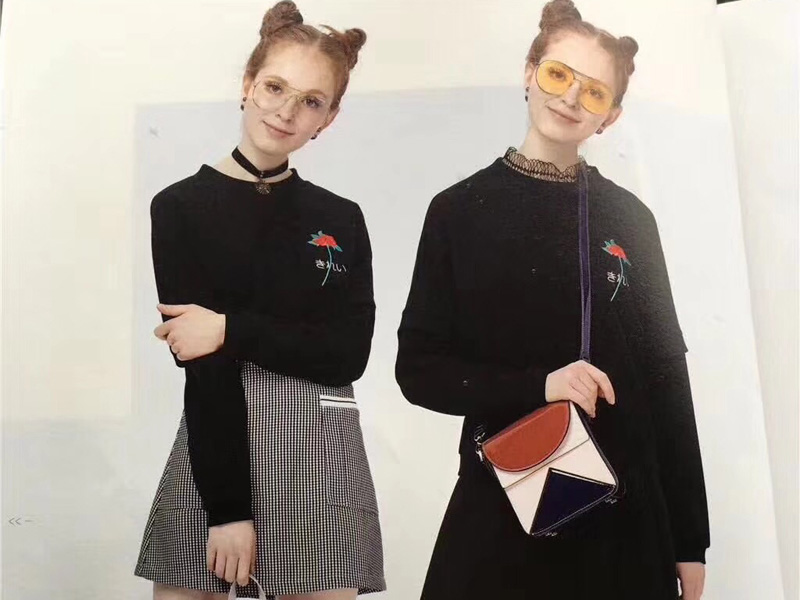 品牌折扣女装店货源太平鸟旗下品牌乐町服装尾货市场