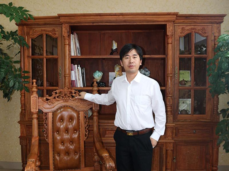 许新中国玉雕工匠_哪里有供应技艺精巧的翡翠雕刻工艺品