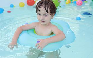 博特朗母婴店泳圈婴儿充气游泳脖圈新生宝宝游泳圈梅花圈