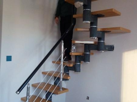 物超所值的别墅楼梯当选博鑫艺楼梯经销处 抚顺别墅楼梯