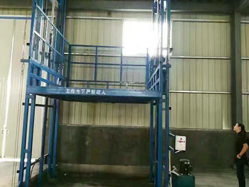 链条升降货梯厂家_知名的液压升降货梯供应商_巨汇起重设备