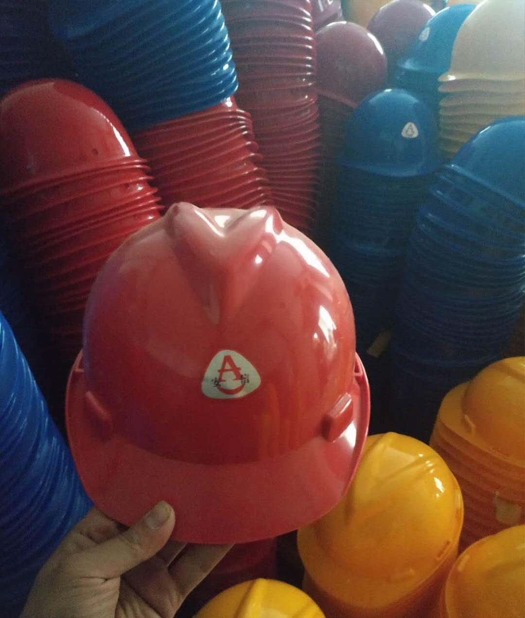 安全帽厂家-信誉好的工地安全帽公司