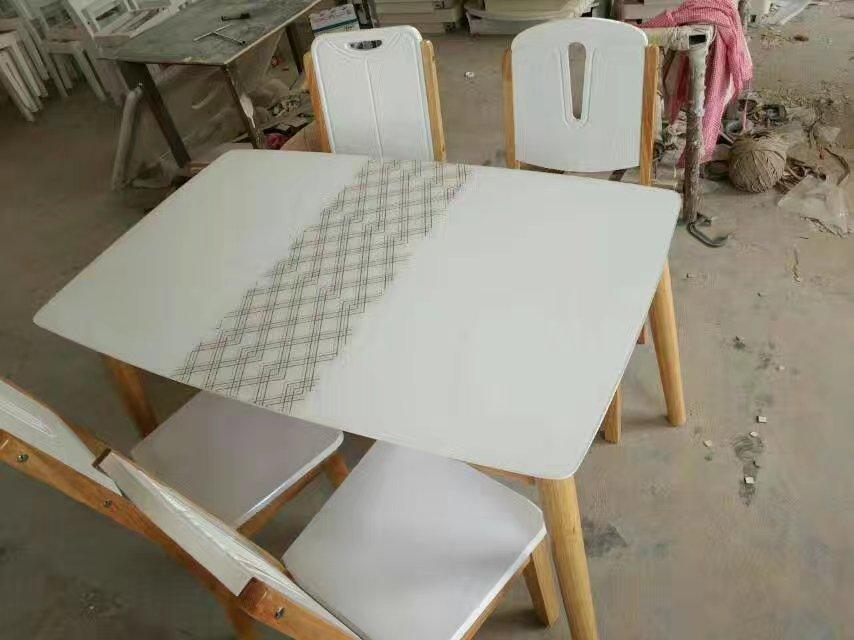 天津白茬餐桌椅定制-力荐联投家具超值的白茬餐桌椅