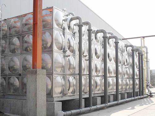 东城立式水塔-专业供应不锈钢组合水箱