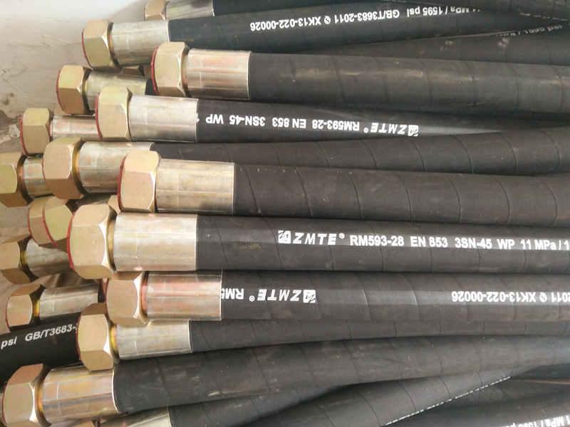 宏禄橡塑制品批发高压橡胶管总成-山西高压橡胶管总成