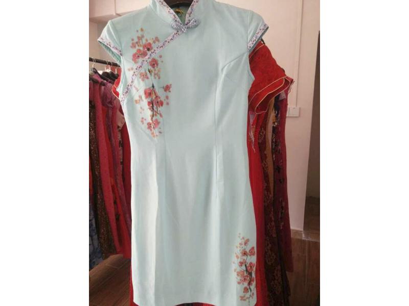 白云区服装喷绘厂/广州服装手绘公司/致美手绘厂