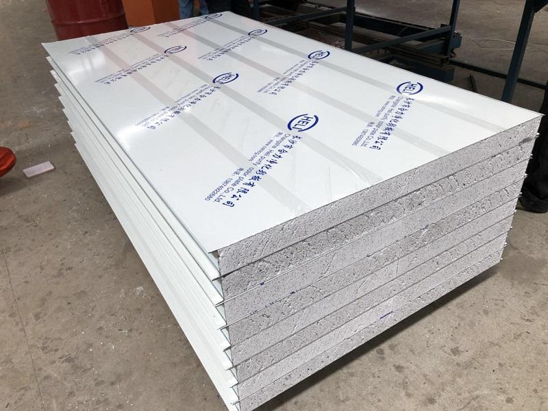 彩钢板市场价格-大量出售超值的彩钢硅岩板