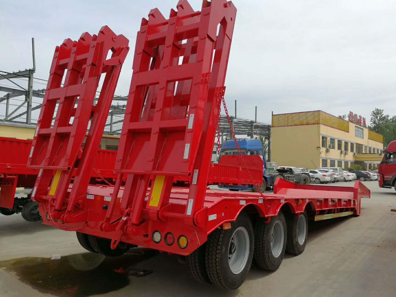 湖北黄石16米大件运输低平板_13米液压爬梯低平板半挂车厂家