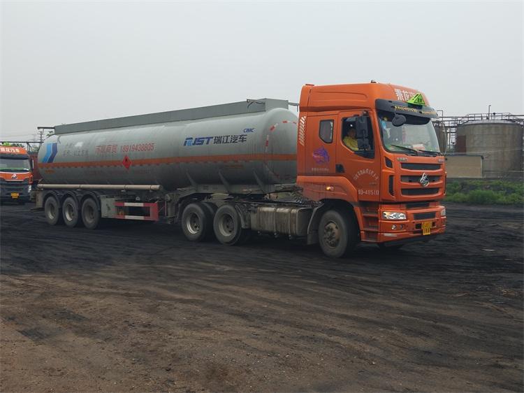 哪里有销售实惠的液体运输车_化工液体运输公司