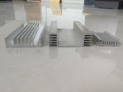 云超铝业散热器型材|散热器型材价位