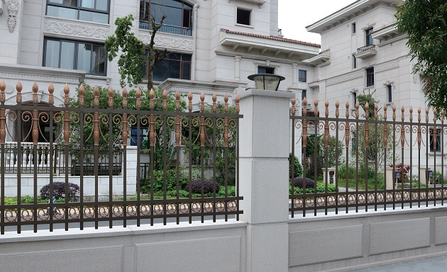 大量出售南宁铝艺围栏——南宁围栏生产厂家