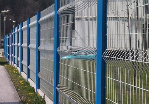 安平桃形柱護欄生產廠家-哪兒能買到合格的桃型柱護欄網呢