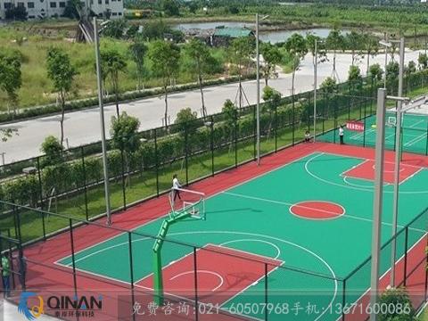 上海市篮球场塑胶地板可靠供应商,篮球场场地铺设