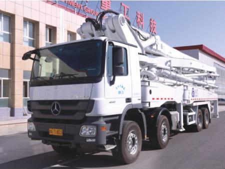 混凝土搅拌运输车价格_万博体育max手机登录版口碑好的车载式混凝土泵车厂家