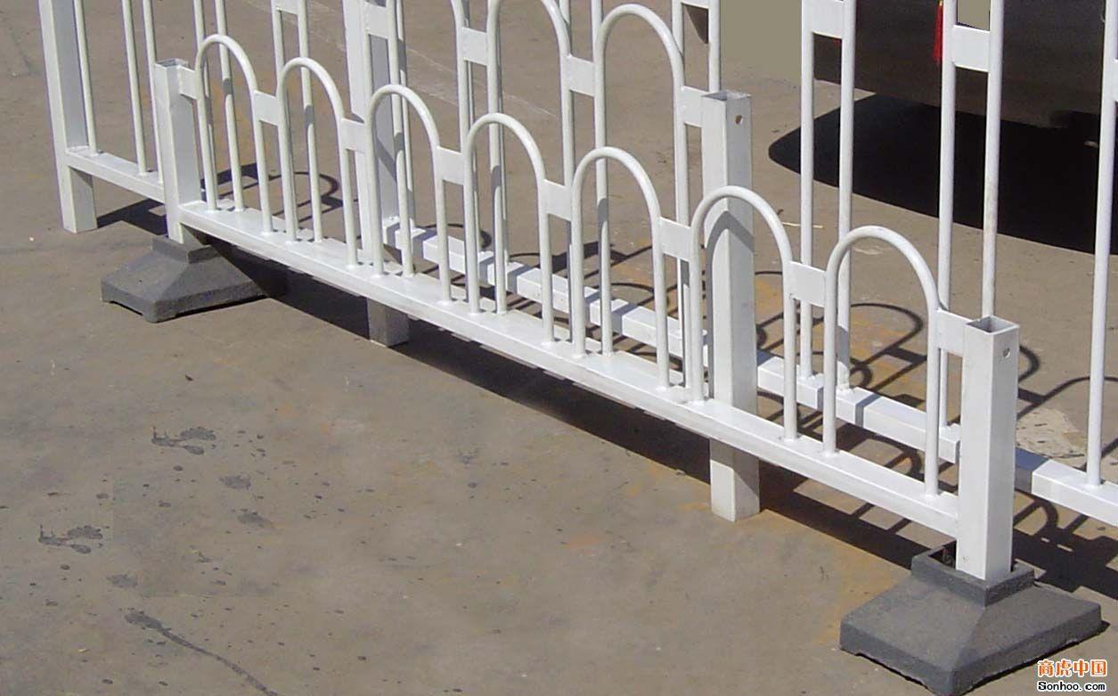 新式的京式道路护栏|品牌好的京式道路护栏公司
