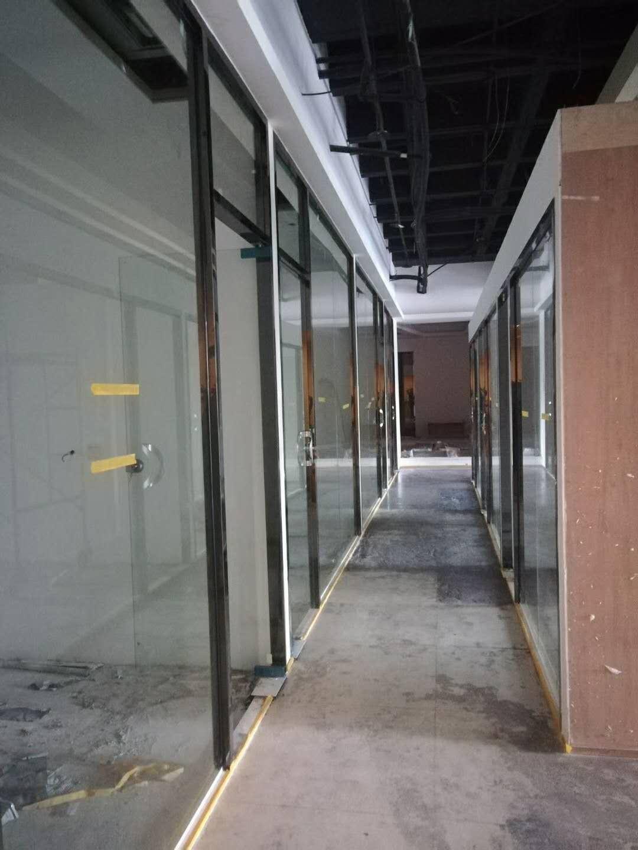厦门玻璃隔墙_艺术玻璃厂家_屏风玻璃供应商_认准季艺