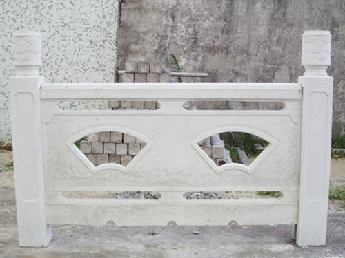 防城港水泥圍欄|供應百色實惠的廣西水泥護欄