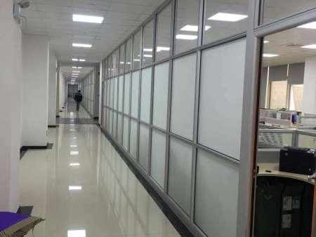 廊坊玻璃隔断单玻百叶隔断安装-美泰装饰-专业隔断装修公司