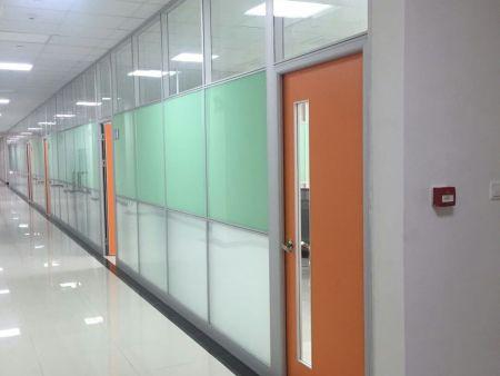 安次玻璃隔断单玻百叶隔断安装-新颖创意的移动隔墙