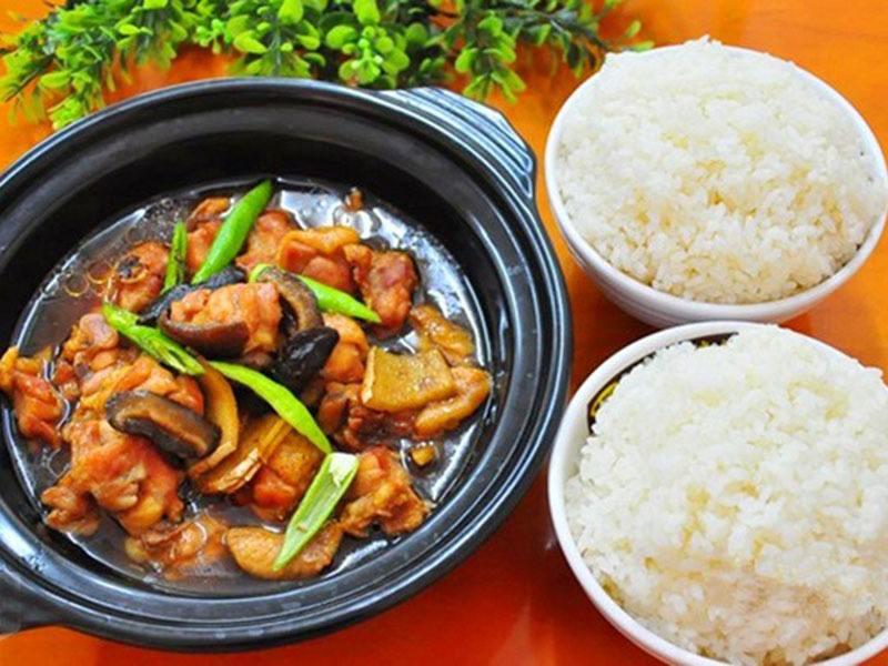 本地的郑州黄焖鸡米饭培训 信誉好的郑州黄焖鸡米饭培训机构