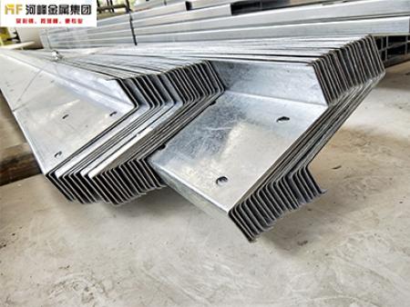 z型钢厂家 好的cz型钢尽在河峰金属进出口