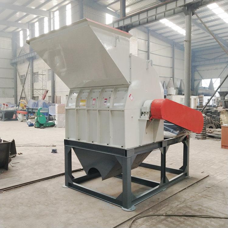木头粉碎机厂家,优质木材粉碎机就在郑州炎运机械设备