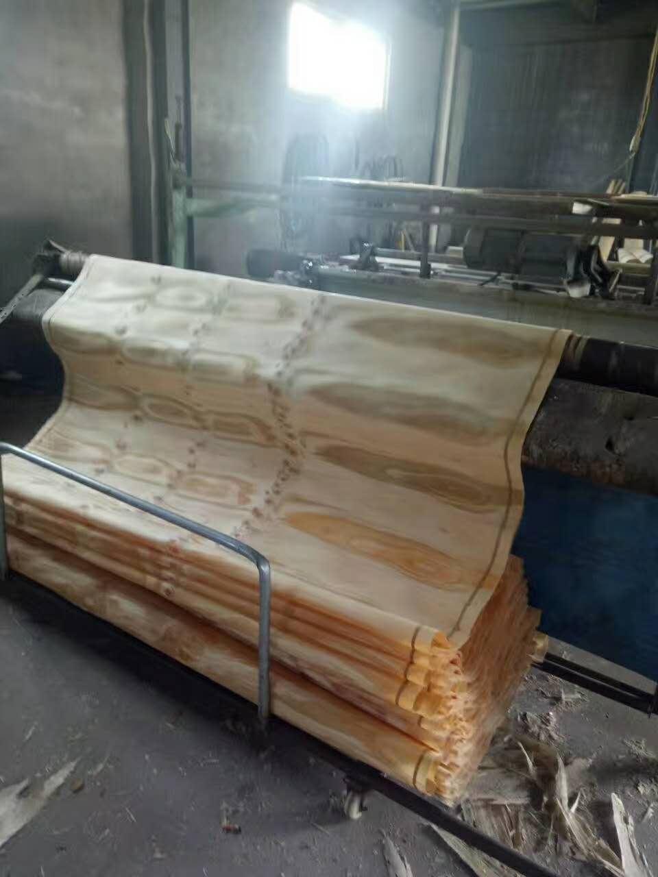 3x6尺辐射松面皮 菏泽辐射松面皮,山东畅销辐射松板材供应